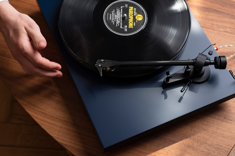 ProJect Debut Carbon EVO Turntable