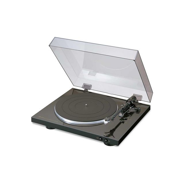 Denon DP300F Turntable - Front view.