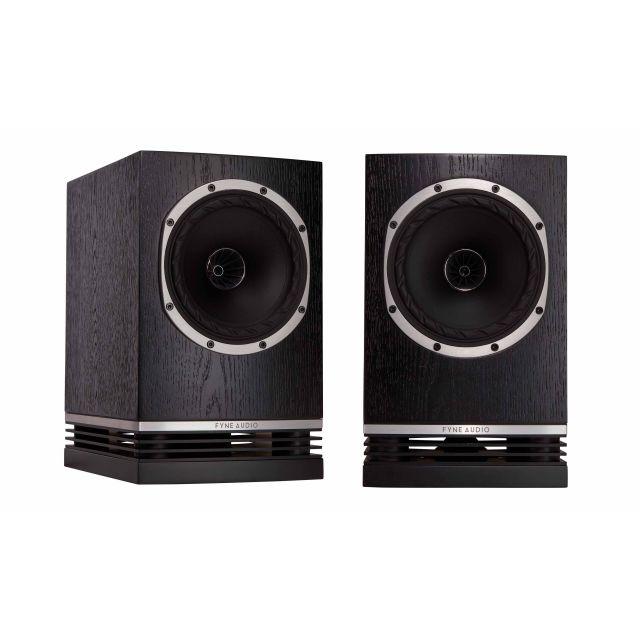 Fyne Audio F500 Bookshelf Speakers - Front view